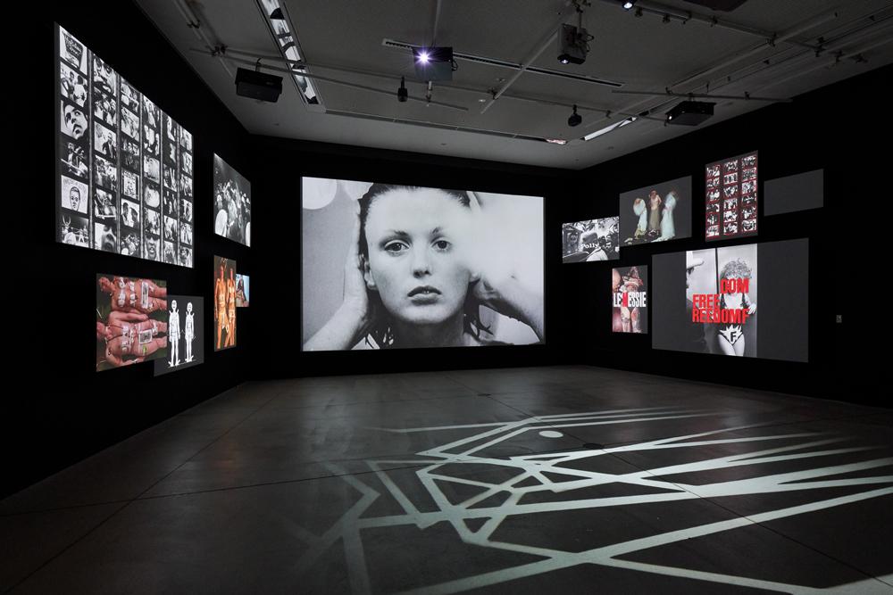 企画展『写真都市展 −ウィリアム・クラインと22世紀を生きる写真家たち−』会場