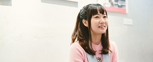 アイドルプロデューサー「もふくちゃん」のルーツは、ノイズミュージックとアートにあった