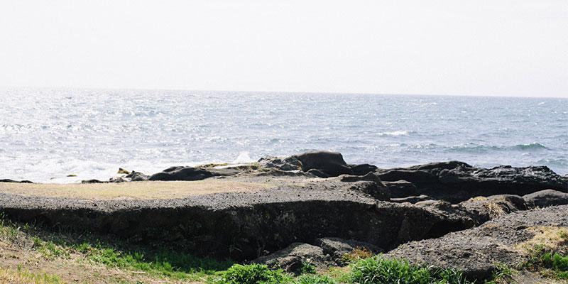 シラハマ校舎からほど近い野島埼灯台からの景色