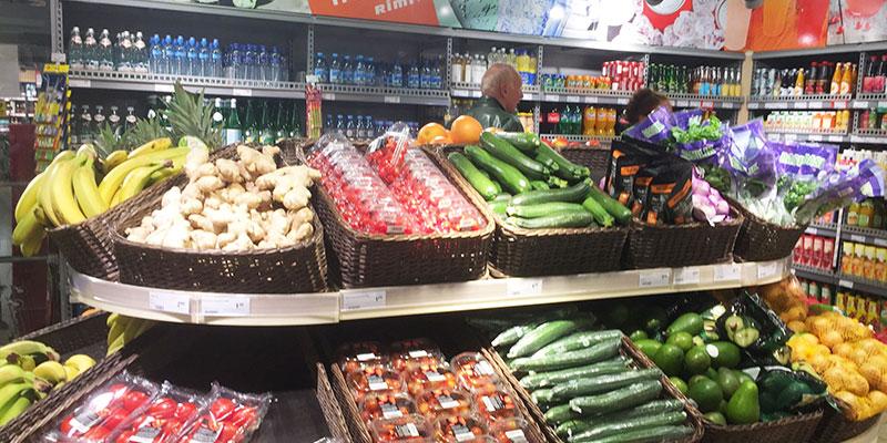 エストニアのスーパーマーケット。食材の価格も基本的には日本の3分の1程度と安い