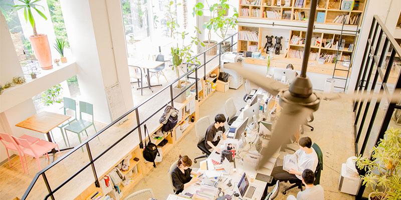奥渋エリアにある開放的なロースターのオフィス(画像提供:ロースター)