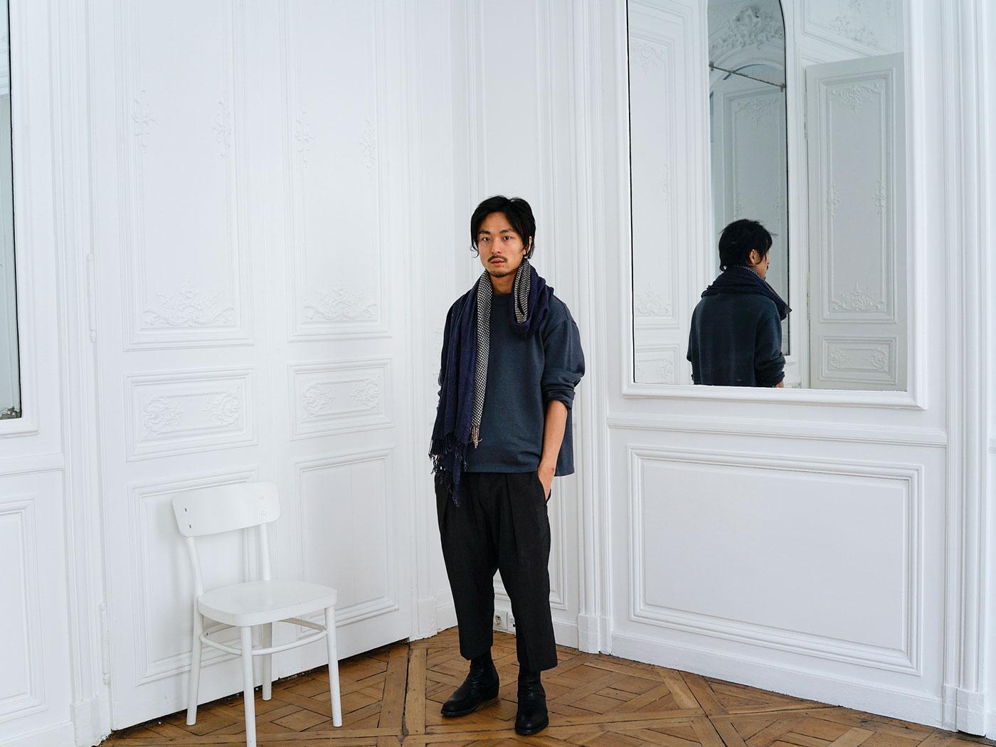 ファッションデザイナー、豊嶋 慧。何も持たない青年が、パリの