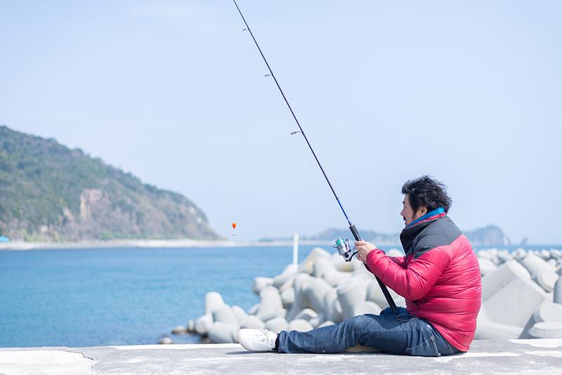 海水浴やマリンスポーツ、釣りも楽しめます。