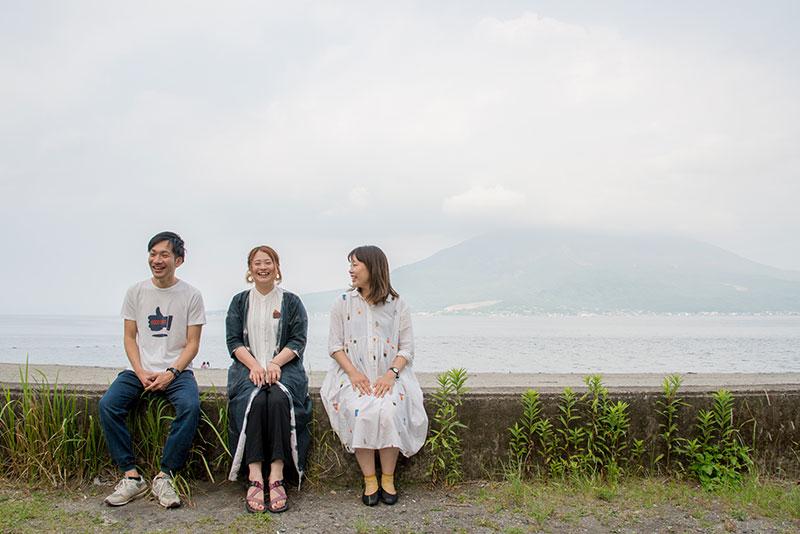 左から、篠崎理一郎さん、中野由貴さん、山下ゆりなさん