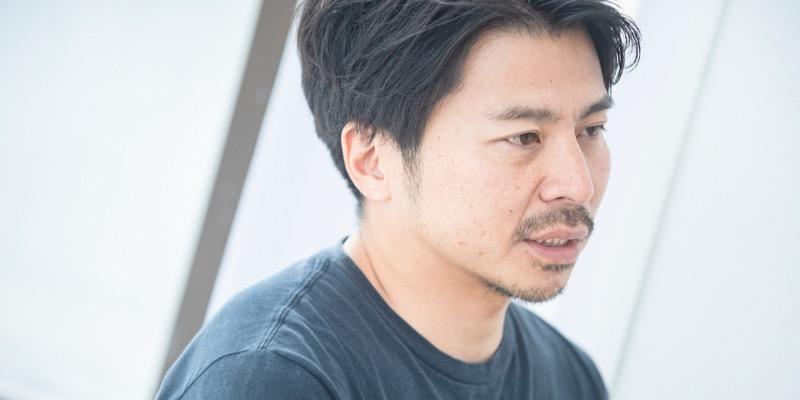 クリエイティブディレクターの須藤亮さん。経営や人事、プロジェクトの企画設計などに携わるほか、自社媒体『anna magazine』の編集長も務める