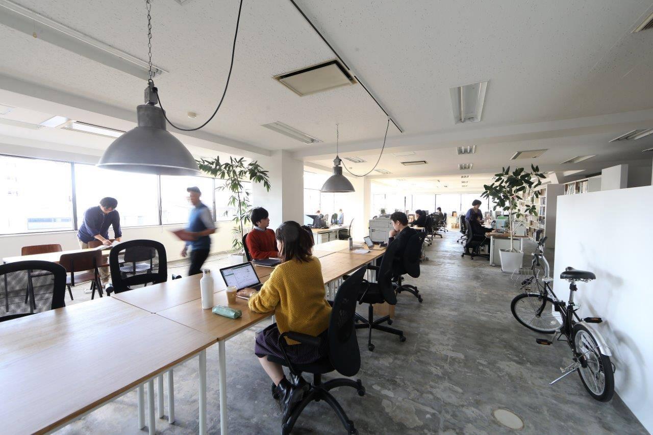 ZIZOの社内の様子。ゆったりとしたフリースペースでは作業もはかどる(画像提供:ZIZO)