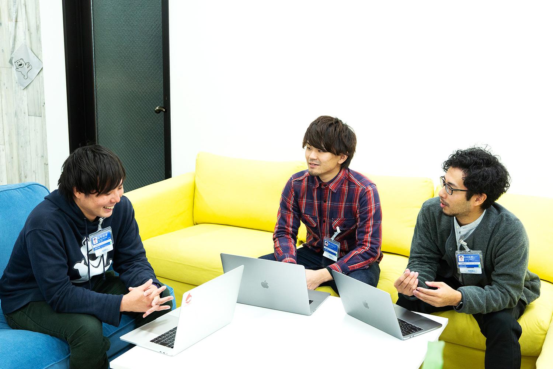 お話をうかがった3人。左から早崎さん、寳來さん、池田さん